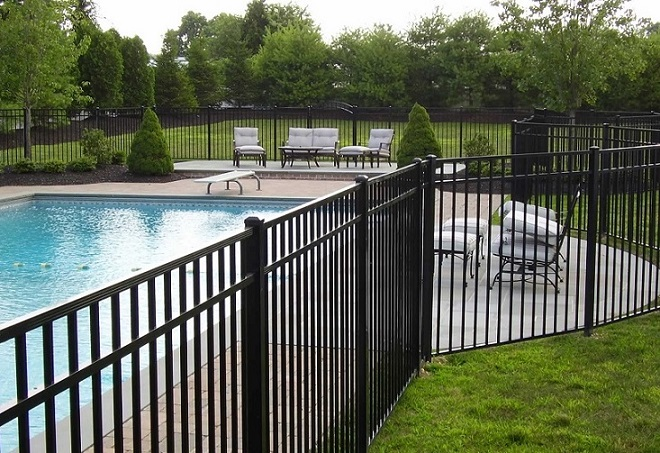 Aluminum gates in Tampa