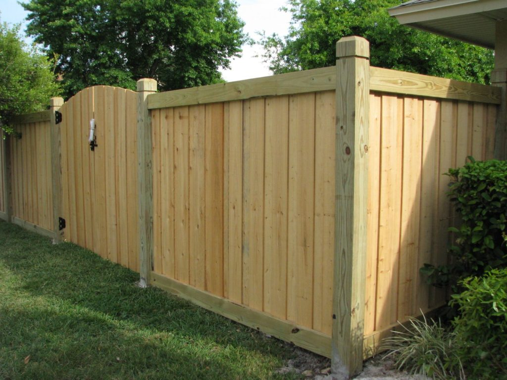 wood fence contractors tampa