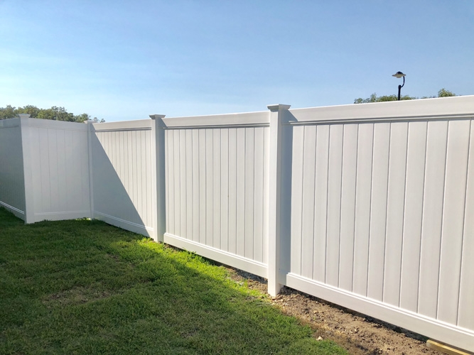 vinyl fence companies Tampa