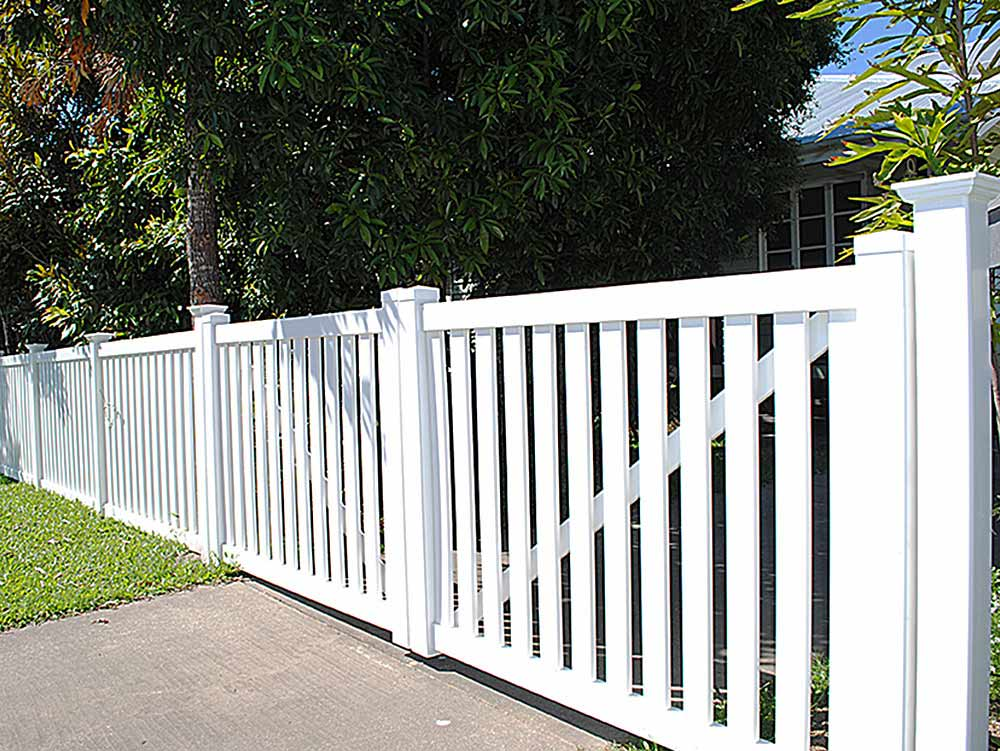 Vinyl fences in Tampa
